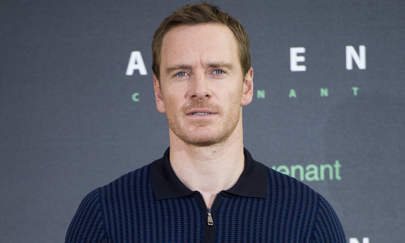 ¿Cuánto mide Michael Fassbender? - Real height Fassbender-gtres1-t