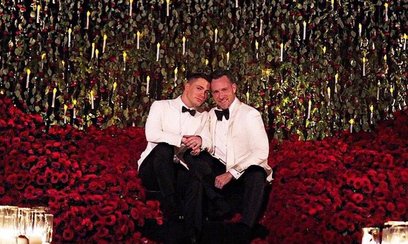 Tras su espectacular pedida de mano, Colton Haynes se casa y Kris Jenner oficia su boda