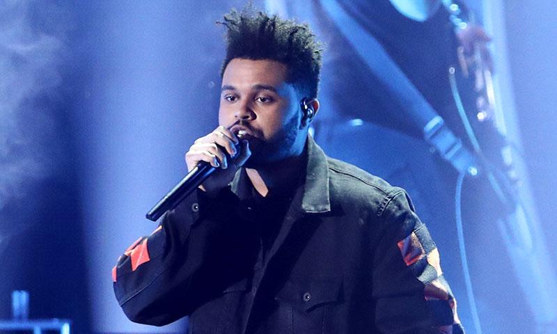 The Weeknd se refugia en su 'nuevo amigo' tras su ruptura con Selena