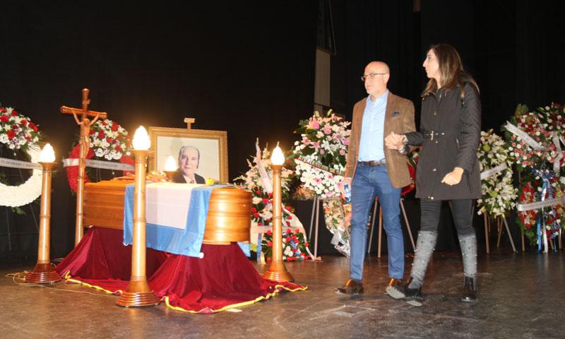 Paz Padilla y Edmundo Arrocet, muy apenados, visitan la capilla ardiente de Chiquito de la Calzada