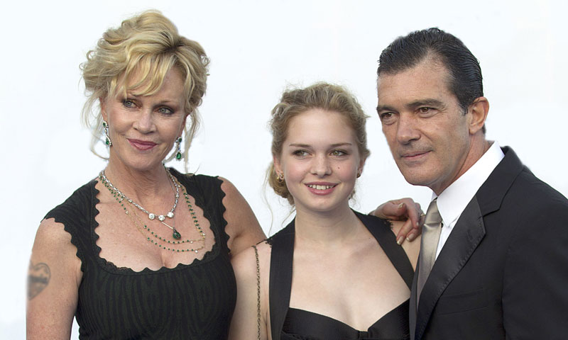 La cena familiar de Antonio Banderas y Melanie Griffith con su hija Stella del Carmen