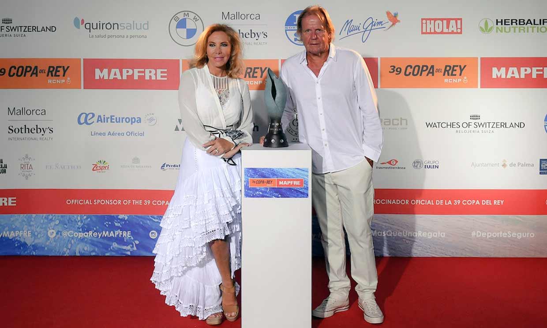 Norma Duval y Matthias Kühn, entre los asistentes a la tradicional cena de armadores de la Copa del Rey MAPFRE de vela
