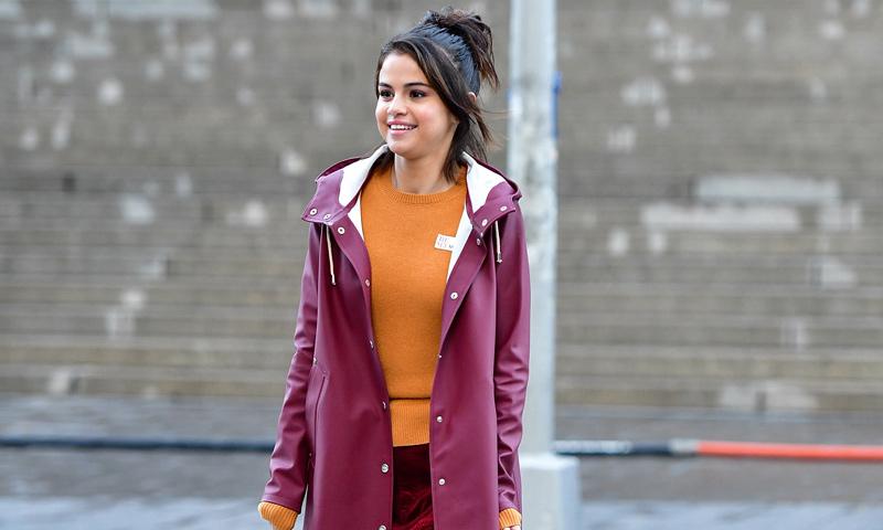 Selena Gomez sí sabe cómo proteger su piel del frío