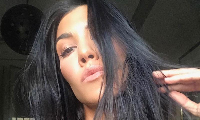 Los 4 ingredientes de la mascarilla hidratante de Kourtney Kardashian están en tu cocina