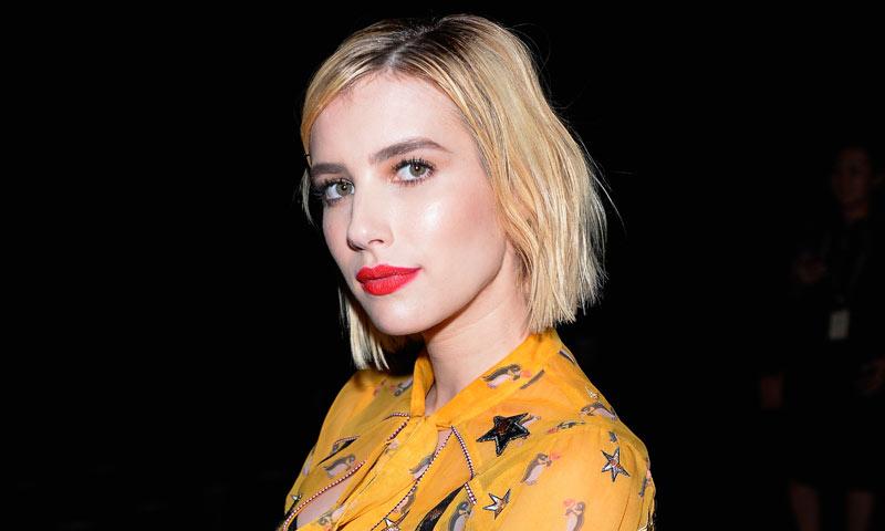 Emma Roberts o la magia del flequillo 'lifting' en los Critic's Choice Awards