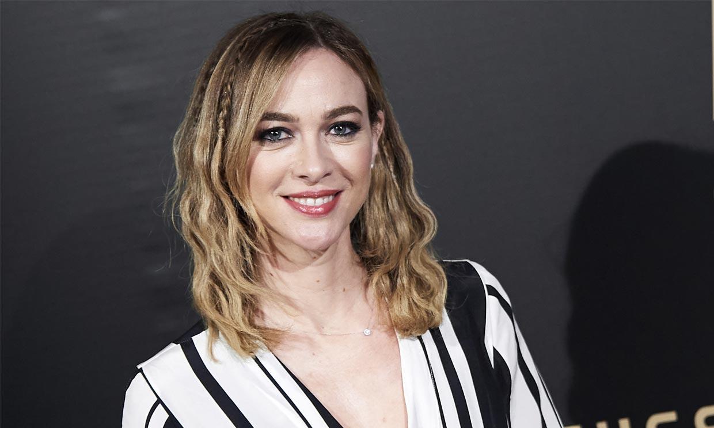 Marta Hazas, la última actriz en rendirse al flequillo que mejor sienta con pelo rizado