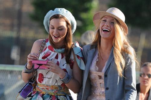Blake Lively y Leighton Meester dan lecciones de estilo en París