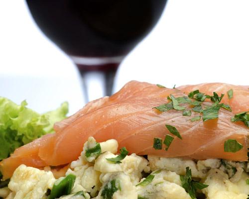 Y a este plato de pescado… ¿qué vino le va mejor?