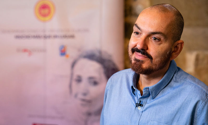 El diseñador Juan Duyos, embajador del jamón de Teruel y del vino de Somontano