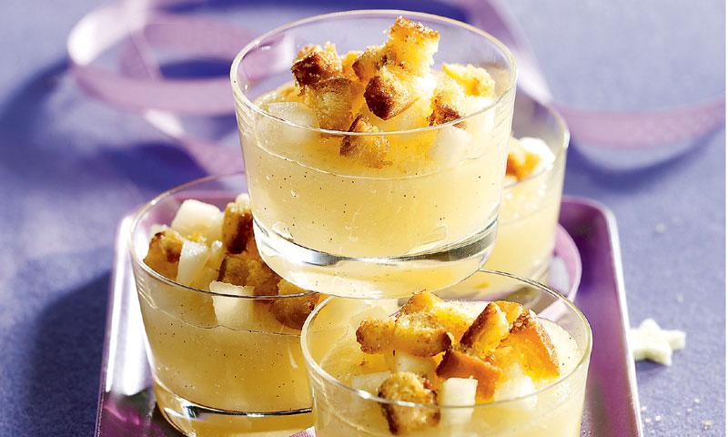 Sopa de peras con brioche tostado