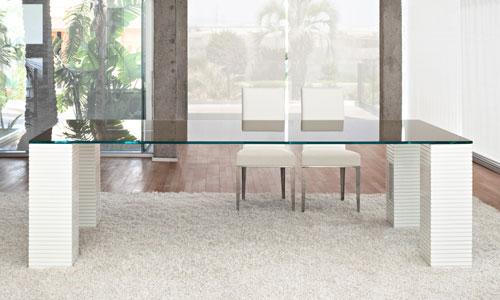 Mesas de comedor que ocupan poco espacio visual