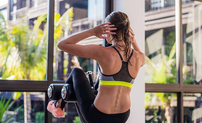 ¿Cómo evitar el dolor de espalda al hacer abdominales  4bbd9cecb0f6