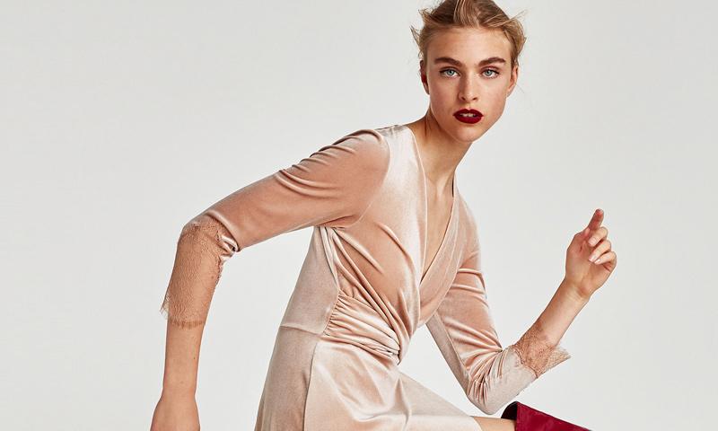 Vestidos Zara de terciopelo para 'looks' de otoño cálidos, suaves y versátiles