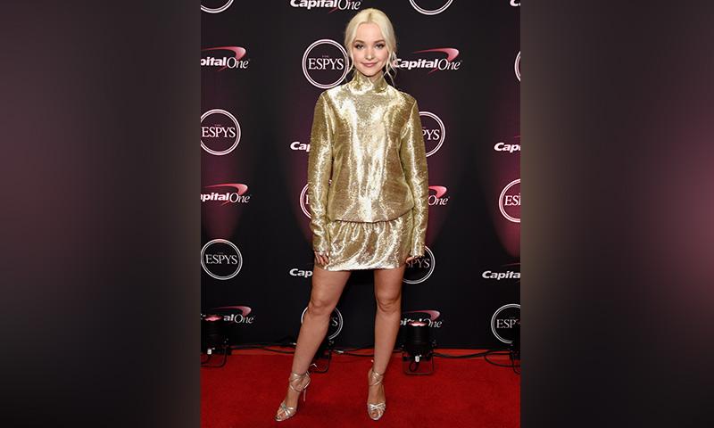 Seis 'looks' de alfombra roja con los que Dove Cameron ha mostrado su manera de entender la moda
