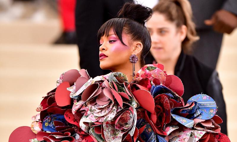 Un repaso a los 'looks' más explosivos que ha lucido Rihanna en la MET Gala