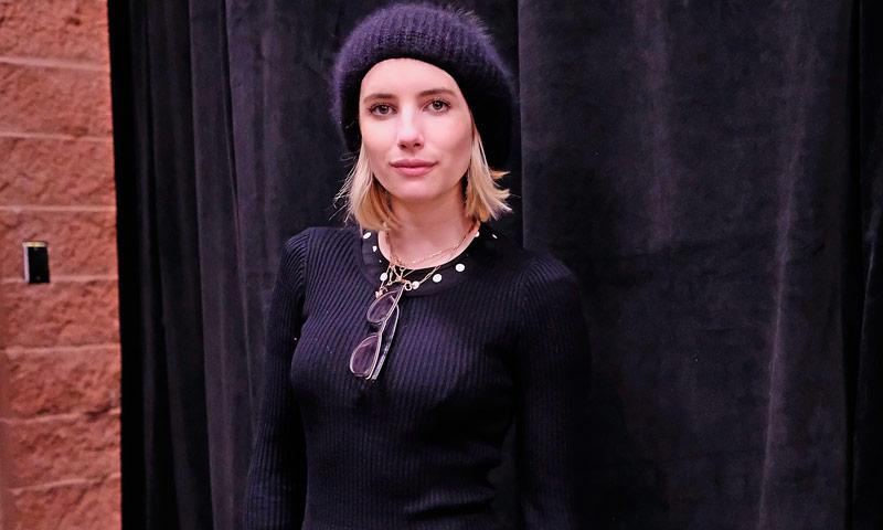 """El retorno del estilo 'granny': Emma Roberts arrasa con su """"look abuelita"""""""