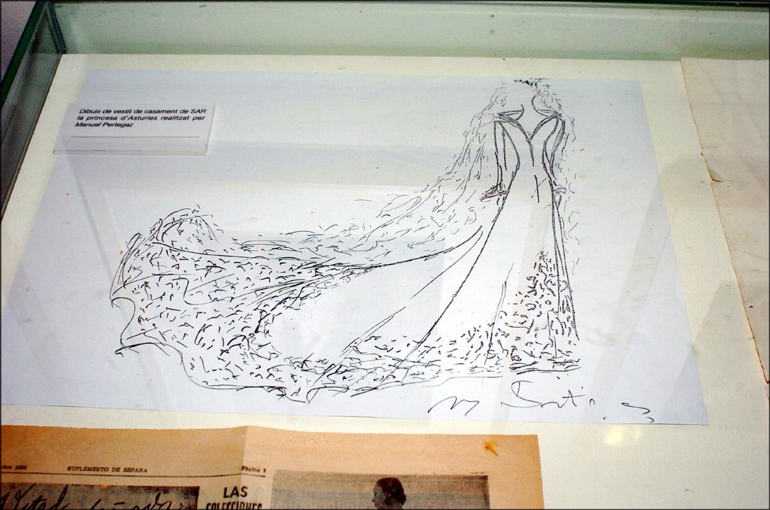 Fallece Manuel Pertegaz, diseñador del vestido de novia de la Reina ...