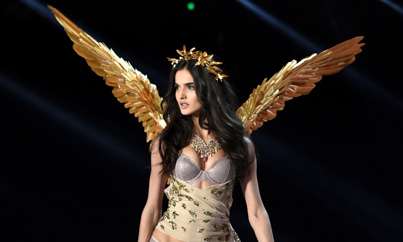 ¡Sorpresa! Blanca Padilla, la primera española en llevar las alas de Victoria´s Secret