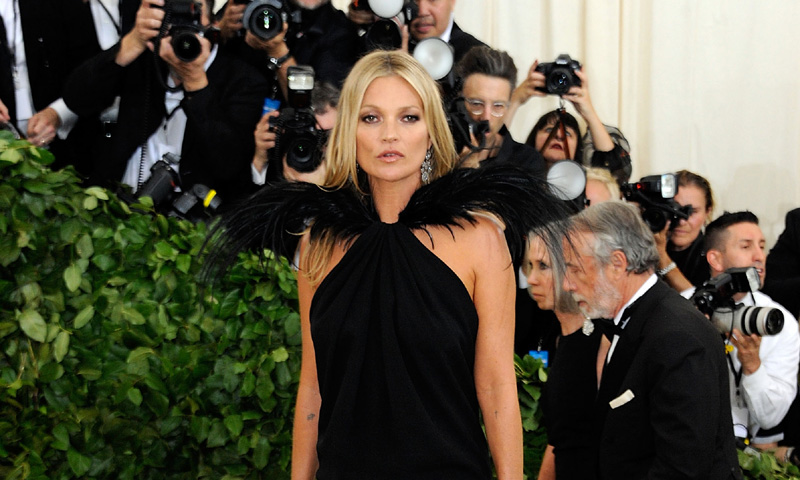 Kate Moss regresa al Met para probar que sigue siendo la musa que fue hace 9 años
