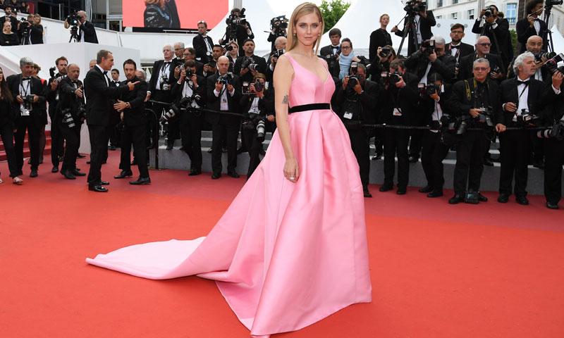 Los detalles personalizados del primer look de alfombra roja de Chiara Ferragni tras ser mamá