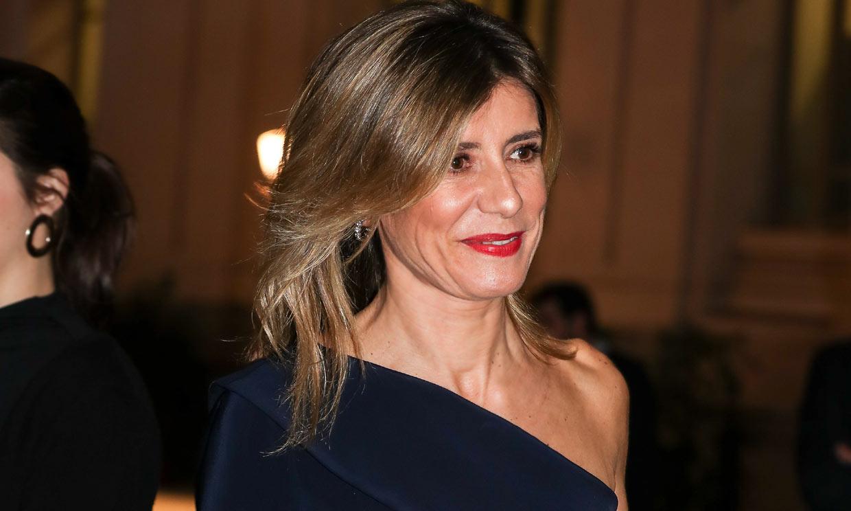 El vestido asimétrico con el que Begoña Gómez asienta las bases de su nuevo estilo