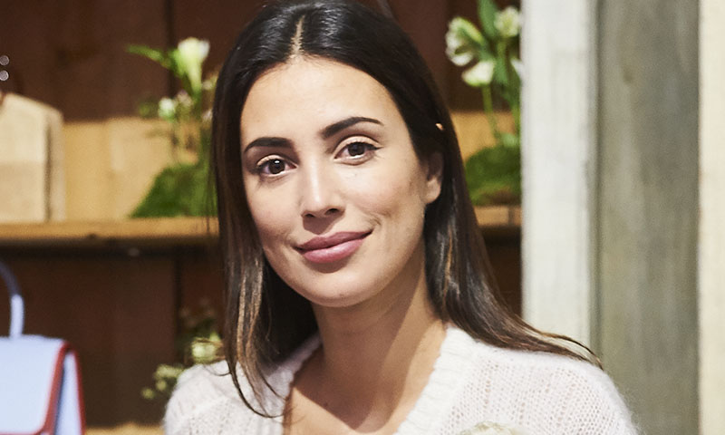 Alessandra de Osma recicla su vestido de 10 euros y lo transforma en look premamá