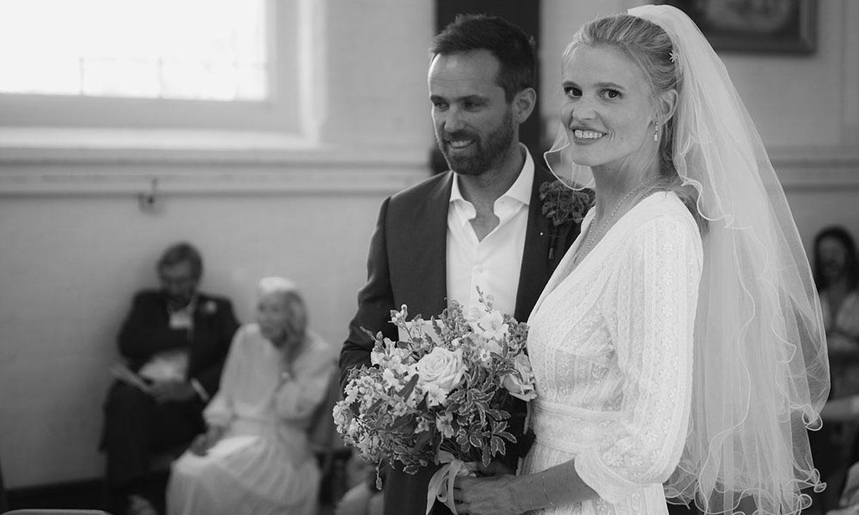 La supermodelo Lara Stone se casa con David Grievson, su amor fruto de un 'match'