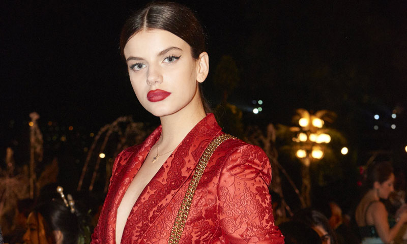 Sonia Ben Ammar y Lady Kitty Spencer anticipan las nuevas tendencias para  la invitada perfecta df97657c52fa