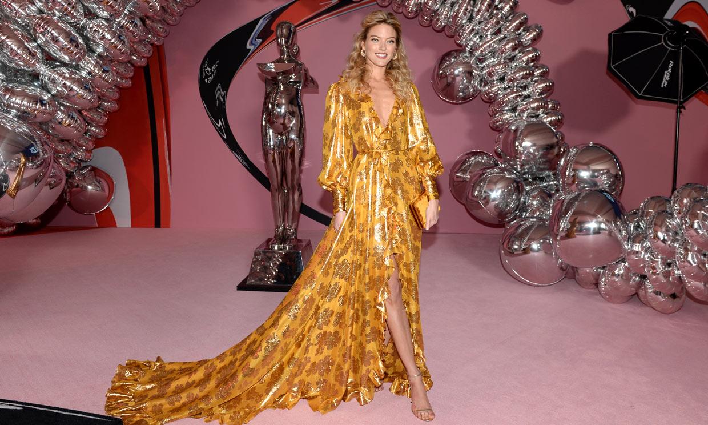 De Jennifer Lopez a las supermodelos: los looks más impactantes de los 'Oscar de la moda'