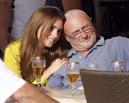 Phil Collins Se Relaja En Familia En Saint Tropez