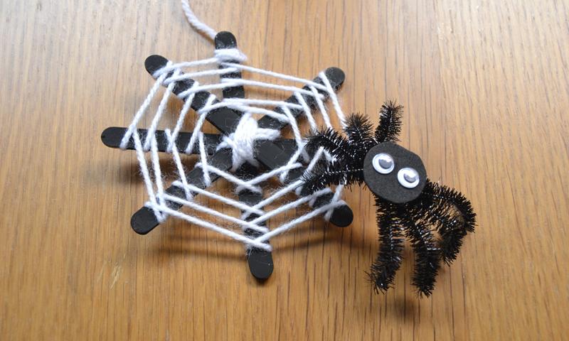 Este año lúcete con la decoración de Halloween con esta telaraña casera