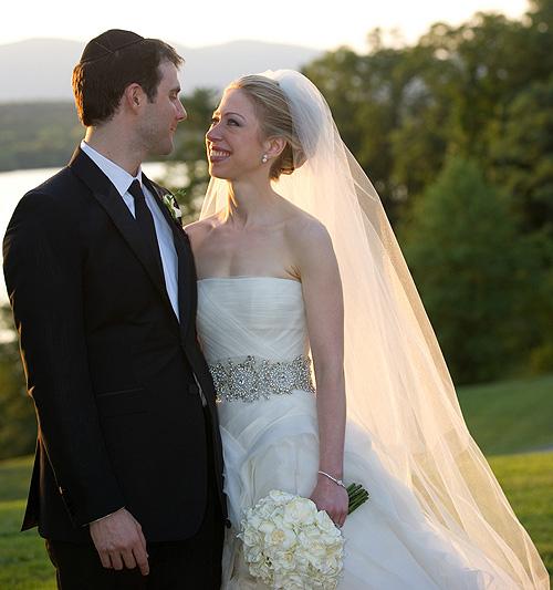 Así fue, puntada a puntada, el vestido de novia de Chelsea Clinton