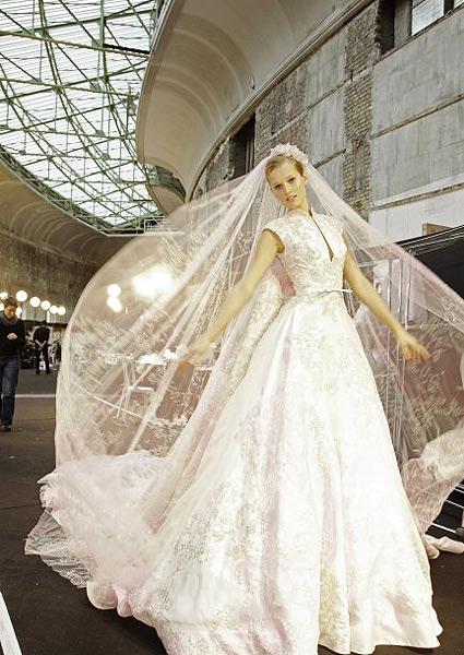 Elie Saab: Inspiración para novias y damas de honor