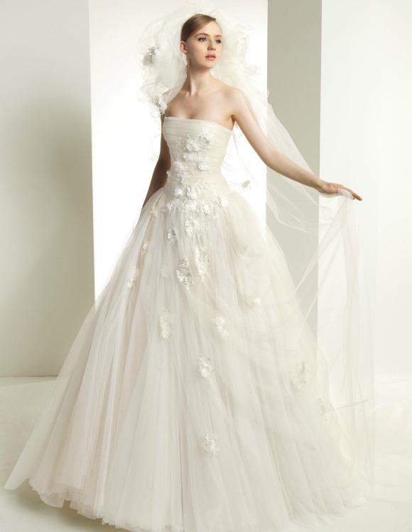 La Alta Costura de Elie Saab y Zuhair Murad conquista a las novias ...