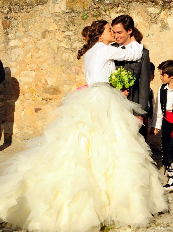 Camisa y maxifalda, la tendencia más 'chic' de las novias de