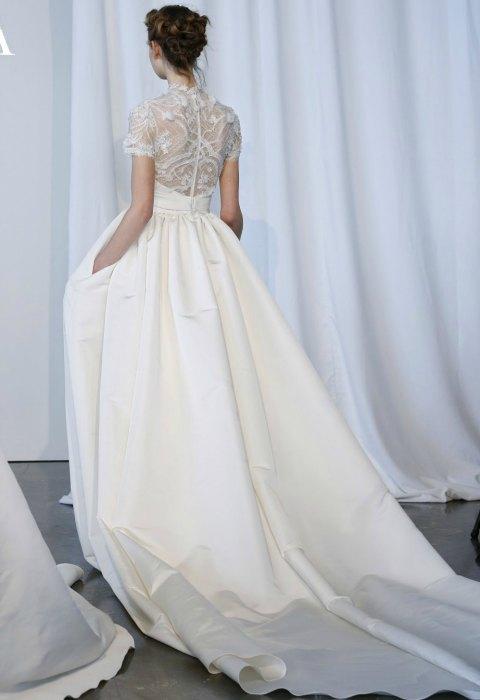 Vestidos de novia con cola desprendible