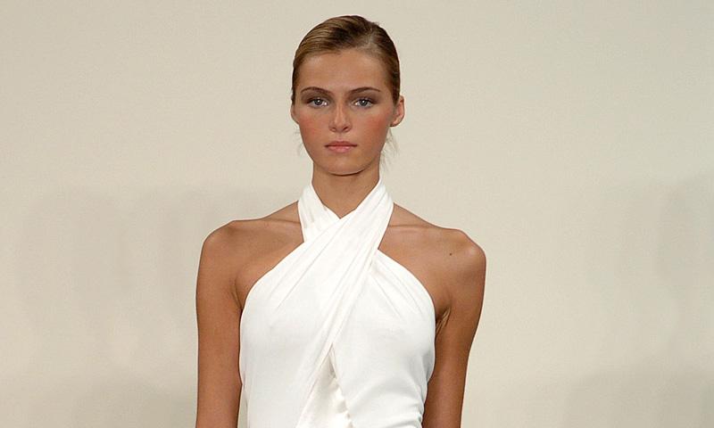 Si te quieres casar con un 'slip-dress', llévalo como hace 14 años