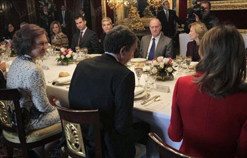 Almuerzo de los Reyes al gobierno saliente (2011)