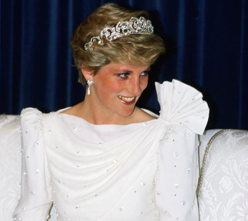el vestido de diana de gales que sacudió palacio a subasta