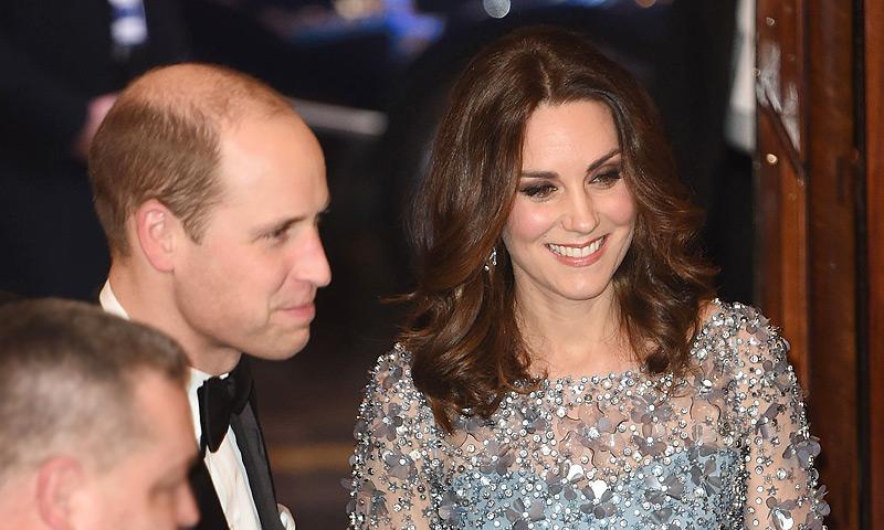 La Duquesa de Cambridge presume de 'tripita' premamá