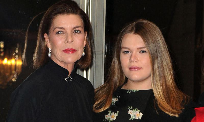 El emotivo abrazo de Carolina de Mónaco a su sobrina Camille ante el recuerdo de Grace