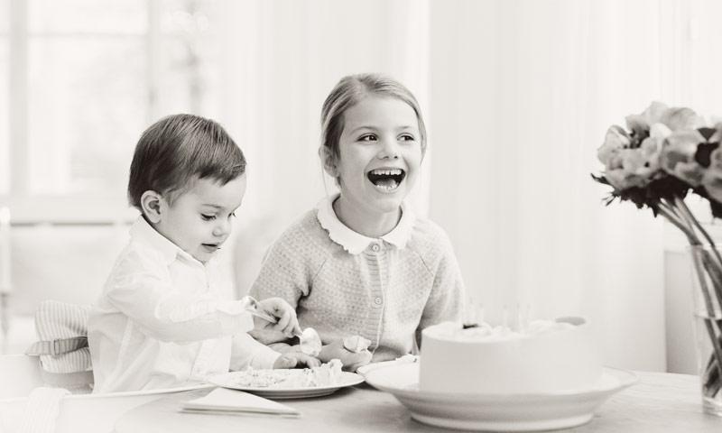 Estelle de Suecia, ¡a la rica tarta de cumpleaños!