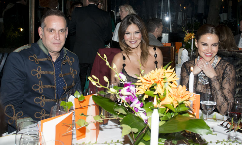 Hannibal Laguna celebra, rodeado de amigos, el lanzamiento de su nueva colección 'Orient Bloom'