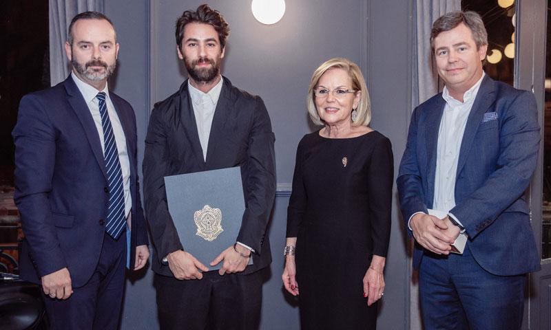 Juan Vidal recibe la 'Aguja brillante' del Gremio de Sastres y Modistas de la Comunidad Valenciana