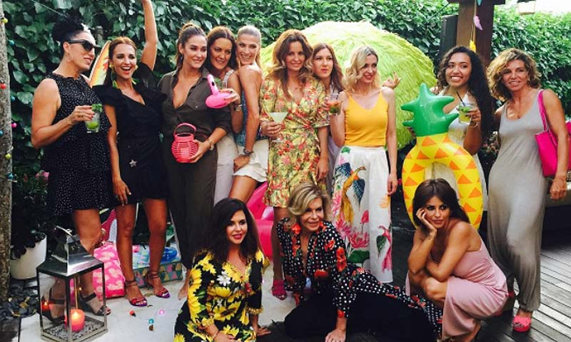 Flamencos, piñas y mojitos… ¡así se celebra una 'beauty party' tropical!