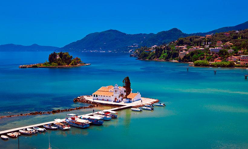 Seis islas del Mediterráneo que te harán soñar y (casi seguro) que no conoces