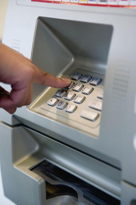 Comisiones en cajeros autom ticos evita otras entidades y for Comisiones cajeros