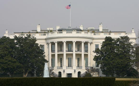 Mudanza en la Casa Blanca: seis horas para sacar las pertenencias de los Bush y redecorar al gusto de los Obama