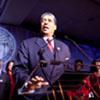 Asombroso cuento de hadas en Washington: un hombre invita a 300 indigentes a vivir el 20-E con todos los lujos