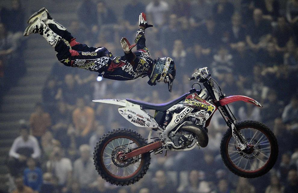 ¿A qué se le llama deportes extremos?-http://www.hola.com/imagenes/actualidad/2010050714236/deportes/riesgo/fotos/0-33-988/deporte-riesgo7-a.jpg